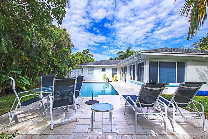 8 pet friendly vacation rentals Sanibel Florida | VIP